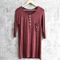 vintage acid wash quarter sleeve top - burgundy