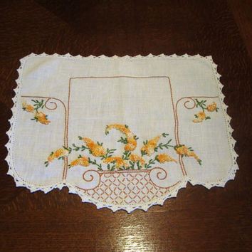 Vintage Linen Doily Flower Basket Motif Country Cottage Decor