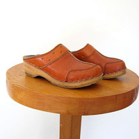 Vintage brown leather clogs. Bastad Swedish clogs. Wooden slip ons. Chunky leather mules. 36