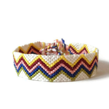 "adult friendship bracelet wrist cuff bracelet macrame unisex friendship cuff ""zig zag big"", 14 cm (5,5 inches)"