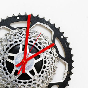 Bike Wall Clock, Bicycle Gear Clock, Bicycle Chain Wall Clock, Steampunk, Upcycled Bike Parts Clock, unique wall clock