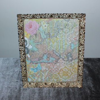 Vintage white and gold ornate 8x10 metal picture frame