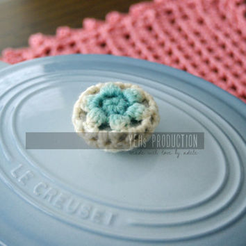 Decorative Crochet Pot Knob Cover Set of 2 with Wool Yarn , Hand dyed Pot Knob Cover, can be used as Le Creuset accessory