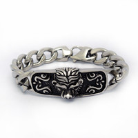 Hot selling Retro Lion exaggerated domineering personality titanium steel Bracelet CE439