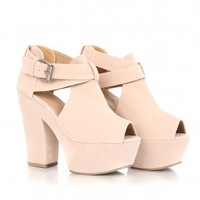 Missguided - Ala Suede Heeled Wedges In Cream