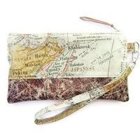 Retro World Map Print & Faux Leather Wristlet / Zipper Pouch / zipper wristlet clutch / Handmade zipper bag