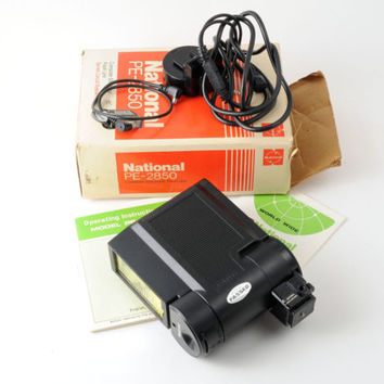 National PE-2850 Flash with PW-500 Ext. Cord for Film Cameras Box + Instructions