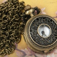 Leegoal Vintage Style Covered Pocket Watch With Window Pendant Clock With 15 Chain In Antique Gold Finish