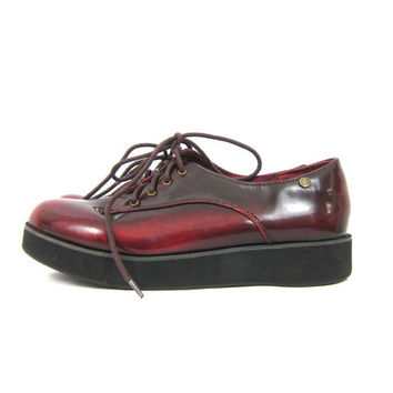 90s Dark Red Platform Shoes Lace Up Revival Grunge Shoes Boho CREEPERS Chunky Shiny Sneakers Club Shoes Oxfords School Girl Womens size 9