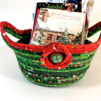 Clothesline Rope Bowl - Holiday Gift Basket - Red and Green Christmas Card Holder - Handmade Tableware Basket - Quilted Christmas Decoration