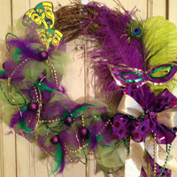 Mardi Gras Wreath with Sequin Mask, Feathers, Beads, Mardi Gras Decor, Mardi Gras, Mardi Gras beads, Sequin Mask, Door Wreath, New Orleans