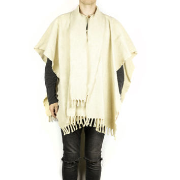 WHITE WOOL PONCHO / woven blanket / cream ivory natural / hippie / outdoors / thick warm / cape / open front / southwestern rustic / winter