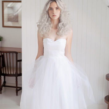 White tulle short wedding dress / tea length bridal gown / strapless sweatheart bodice dress  -  Made to order