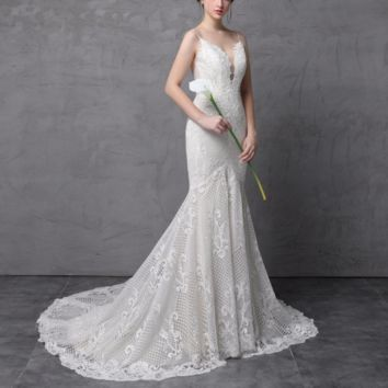Spaghetti Strap Mermaid Wedding Dresses Luxury Lace Low Cleavage Sexy Low Back Bridal Gown