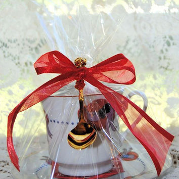 4 Red Hat Teacup Favors