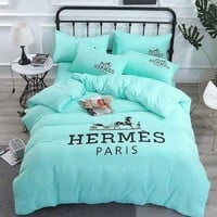 HERMES Home Blanket Quilt coverlet 2 Pillows Shams 4 PC Bedding Set