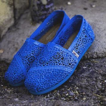 onetow One-nice? TOMS Natural Crochet Classics Flats Fashion hollow Summer Sexy Loose Shoes Sapphire blue