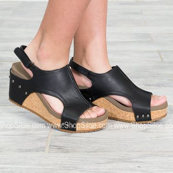 London Distressed Black Wedges
