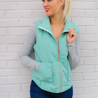 Winter Valley Resort Quilted Sea Foam Vest With Pockets