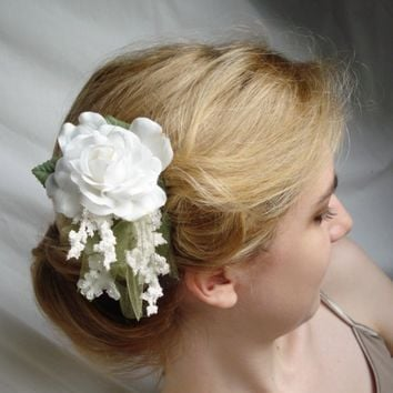 angel  a white rose comb w/green leaves by thehoneycomb on Etsy