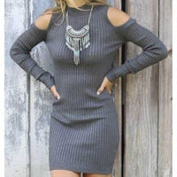 SOLID COLOR STRAPLESS SWEATER DRESS