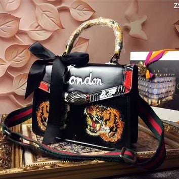 GUCCI WOMEN'S TIGER EMBROIDERY LEATHER DIONYSUS HANDBAG SHOULDER BAG