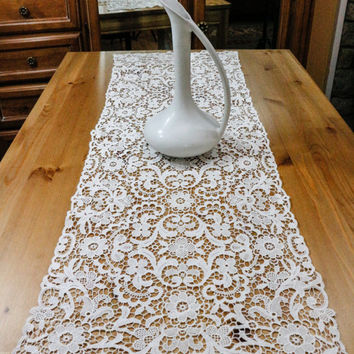 Lace Table Runner, Chemical Lace, Schiffli Point de Venise Lace, Antique Victorian Edwardian Table Runner, Shabby Chic, Weddings, 1900s