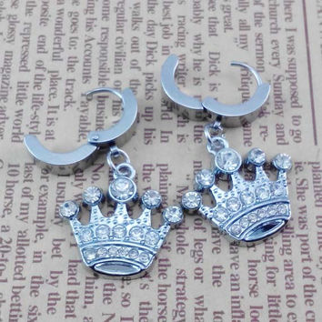 Pairs   2pcs  Crown  Gothic Rock Clip Ring Earrings , Stainless Steel  Ear studs  , Bride wedding gift ,  Earing Stud Piercing,