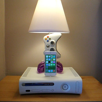 Microsoft Xbox 360 Desk Lamp Light Sculpture and Ipod or Iphone Touch 5 5S charger