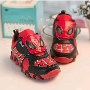Cartoon Spiderman Cool boys Shoes LED lights Sport Sneakers 2016 Spring Casual Children Shoes Boots Ironman,Captain America,Hulk