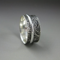 swirly patterned silver spinner ring, sterling silver ring, spinner ring, meditation ring, fidget ring, wedding band, eco friendly