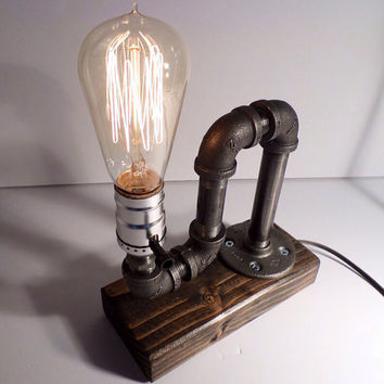 Classic Style Edison Bulb Table Lamp In Weathered   Antiqued Finished Wood  Base   Steam Punk