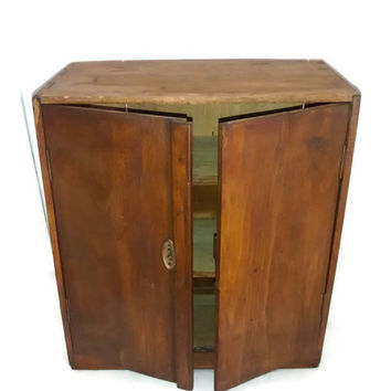 Primitive New England , Antique Cabinet , Shaker Small Cupboard , Fruit Wood , Dovetailed , 19th Century