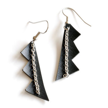 Zig zag black rubber geometric earrings handmade using recycled bike tire inner tube and stainless steel chain , edgy triangle earrings