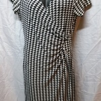 MLLE GABRIELLE Short Sleeve Hounds tooth Wrap Dress XL Extra large Black/White
