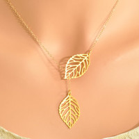 Gold leaf lariat necklace, double leaf pendant, double leaf lariat, tiny leaf necklace, mini leaf lariat, gold necklace, gold pendant