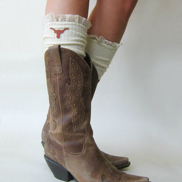 PRE-ORDER Lacey Fan Collegiate Boot Socks IVORY cable knit boot sock with lace and school logo   (Item no.12-30 )
