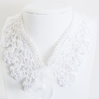 White Lace Peter Pan Collar,  beadwork lace collar, Hand Crocheted, pearls beads, romantic, wedding