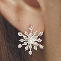 hot sale new  Fashion twinkling Crystal Rhinestone creative   lovely  Snowflake Vintage  Star Ear  Stud Earring Wedding Bridal Gift Jewelry fashion  jewelery  Accessories   for ladies and girls