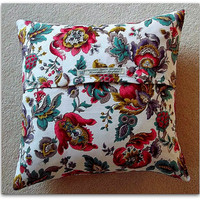 Cushion cover / pillow cover in vintage 1950s floral cotton with button fastening 16 inch