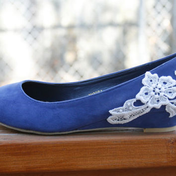 Blue ballet flat/low wedge bridal shoe with venise lace applique. size 7.