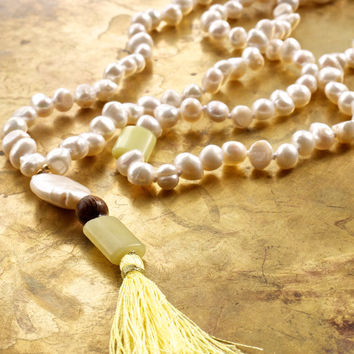 Tassel necklace Yellow bohemian necklace Mala beads Boho style jewellery Yellow jade and pearl Freshwater white pearl Meditation mala 108