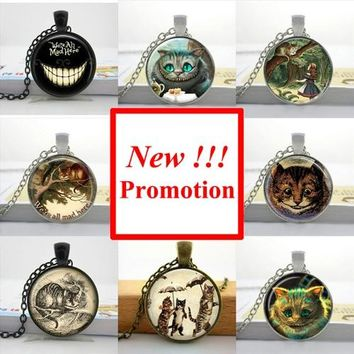 2017 New Fashion Alice in Wonderland Necklace Cheshire Cat Necklace Fairytale Jewelry Glass Cabochon Necklace