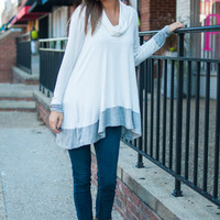 The Lisa Top, White/Gray