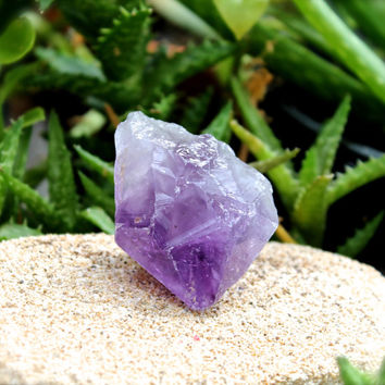 Large Amethyst Point // Amethyst Crystal Point // Raw Stone Specimen / Natural Amethyst Wand / Purple Crystal Specimen / Wiccan Altar Supply