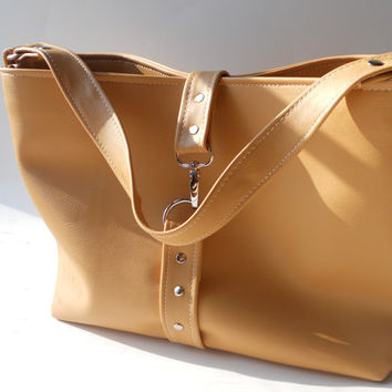gorgeous new Medium Hobo Tote bag in camel tan by Cartergray
