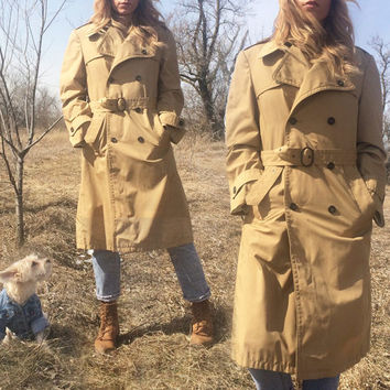 Vintage 1970's TRENCH COAT Classic Tan Beight Weatherproof Minimalist Raincoat || Made In Poland || Ladies size Medium
