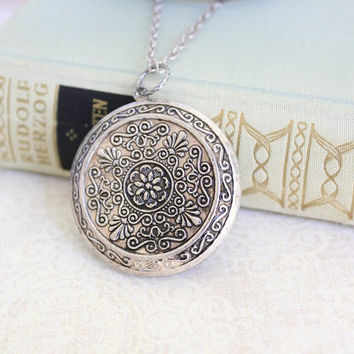 Silver Locket Necklace Large Round Locket Pendant Silver Floral Vintage Style Picture Locket Romantic Long Necklace Secret Hiding Place