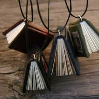 Surprise yerself a miniature book necklace by veterok on Etsy