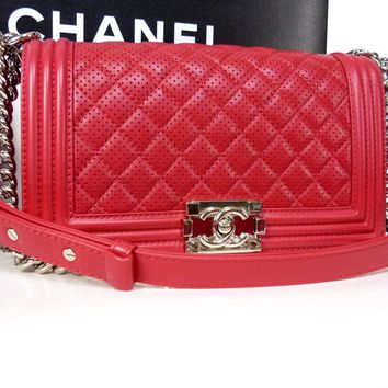 AUTHENTIC CHANEL BOY CHANEL SHW RED LAMB PUNCHING SHOULDER BAG W25 MINT M774